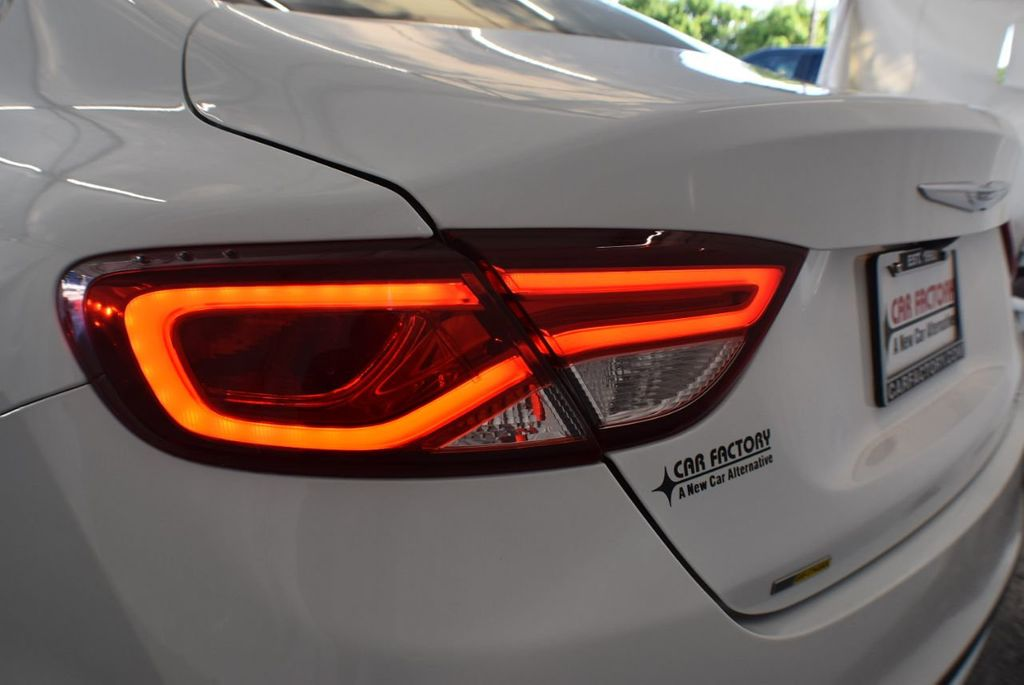 2016 Chrysler 200 4dr Sedan LX FWD - 18250867 - 6