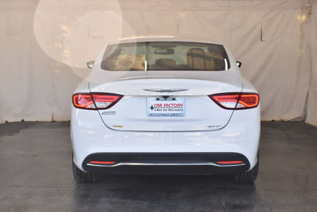 2016 Chrysler 200 4dr Sedan LX FWD - 18250867 - 7