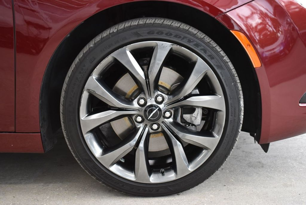 2016 Chrysler 200 4dr Sedan S FWD - 18637836 - 9
