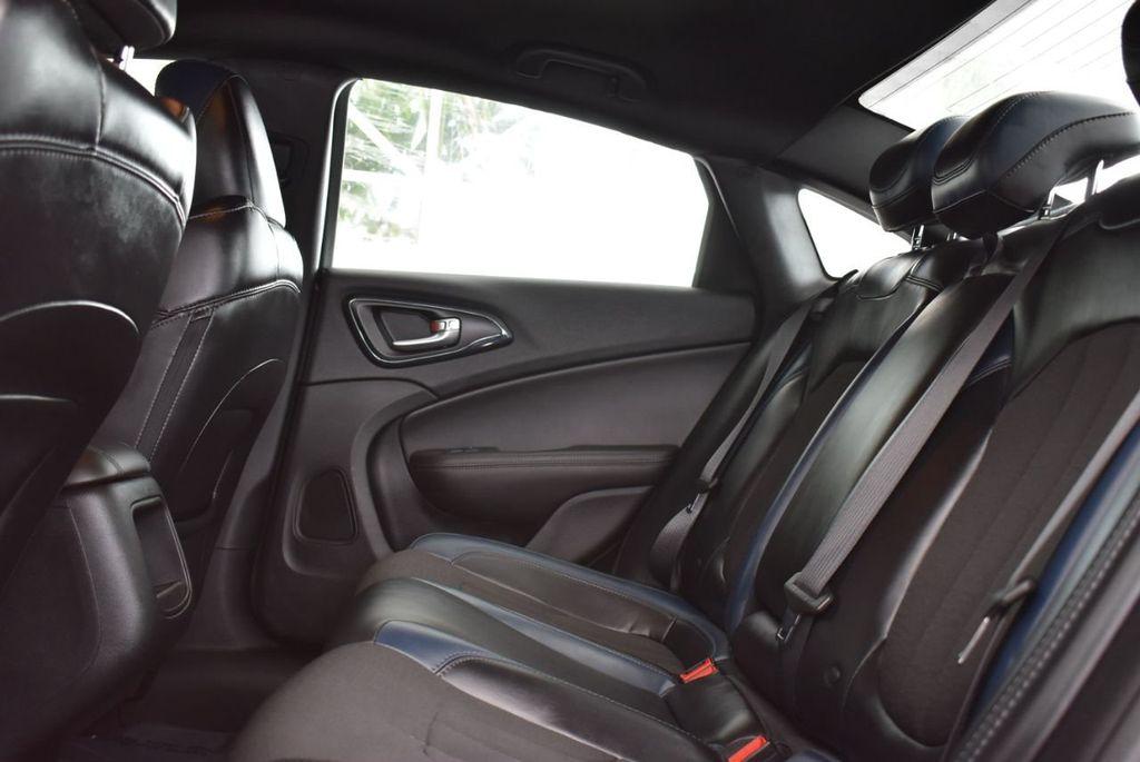 2016 Chrysler 200 4dr Sedan S FWD - 18637836 - 10