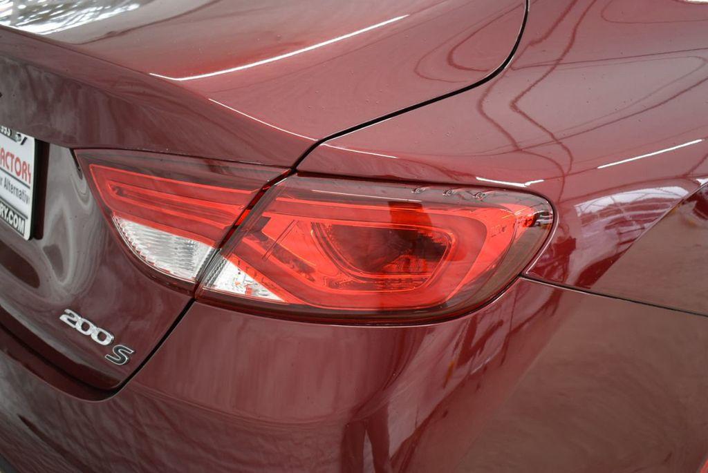 2016 Chrysler 200 4dr Sedan S FWD - 18637836 - 1