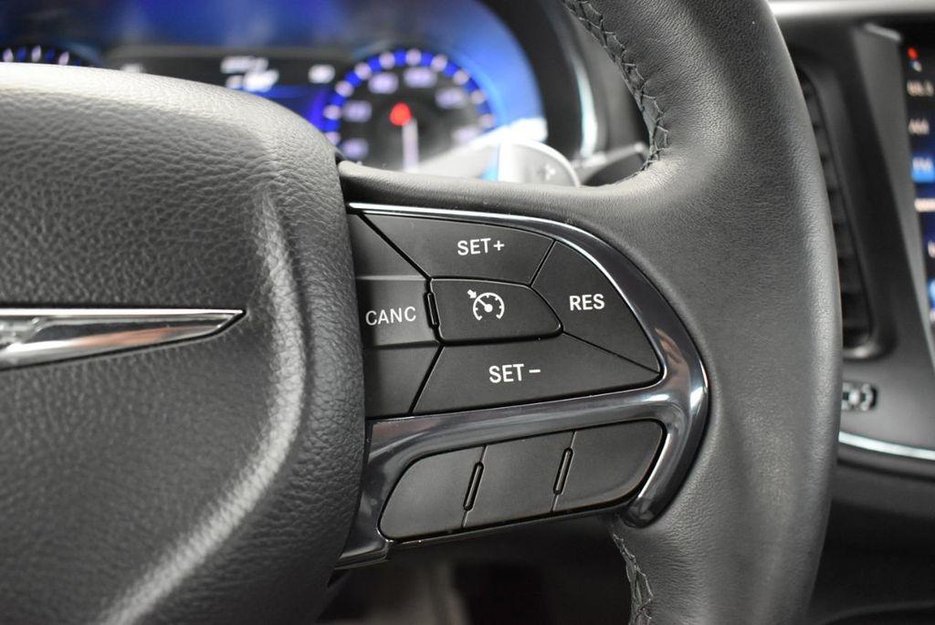 2016 Chrysler 200 4dr Sedan S FWD - 18637836 - 20