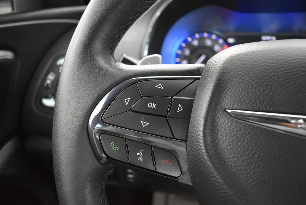 2016 Chrysler 200 4dr Sedan S FWD - 18637836 - 21