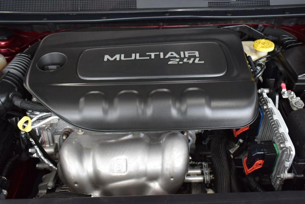 2016 Chrysler 200 4dr Sedan S FWD - 18637836 - 24