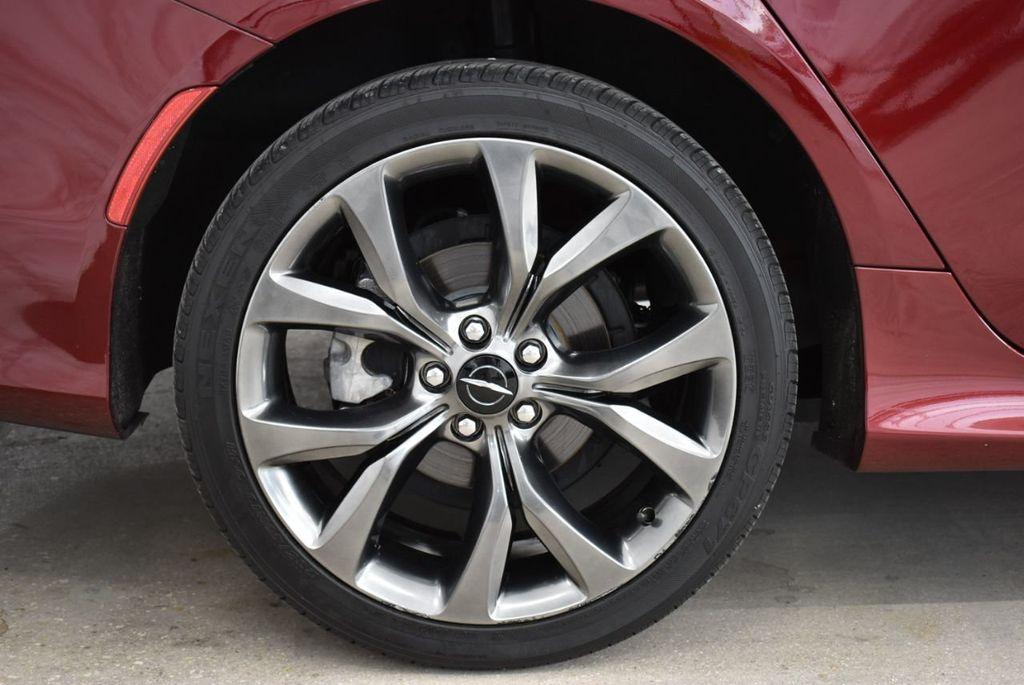 2016 Chrysler 200 4dr Sedan S FWD - 18637836 - 8
