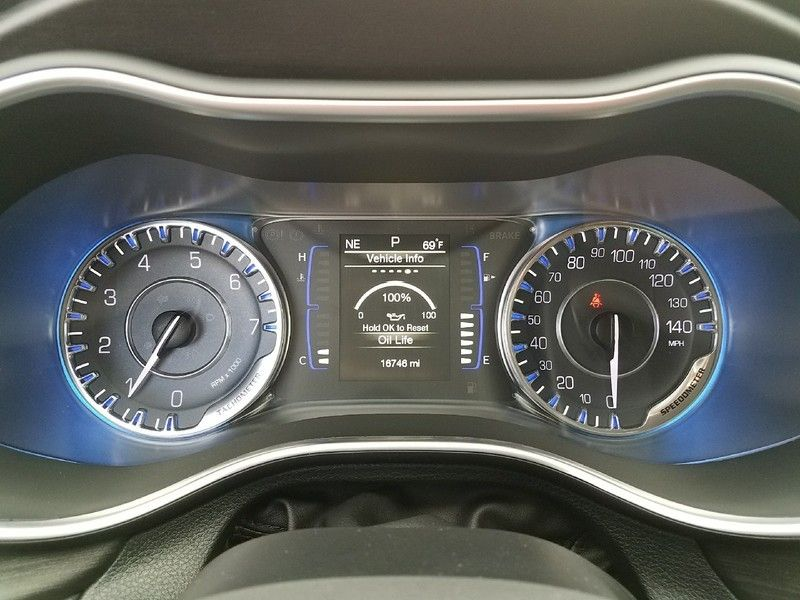 2016 Chrysler 200 LIMITED - 16988082 - 20
