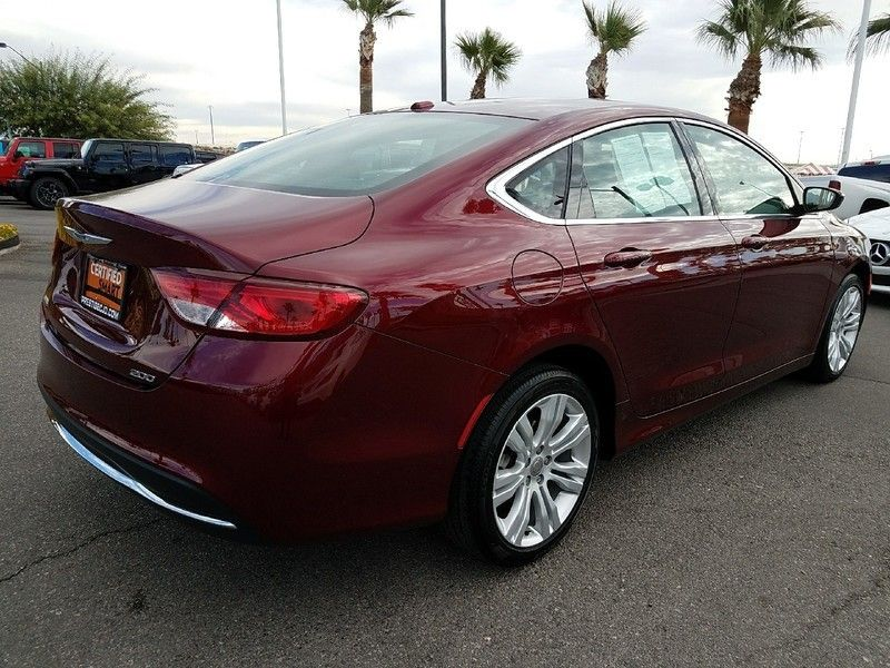 2016 Chrysler 200 LIMITED - 16988082 - 4