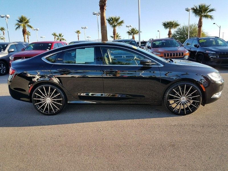 2016 Chrysler 200 LIMITED - 17002652 - 3