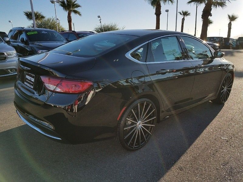 2016 Chrysler 200 LIMITED - 17002652 - 4