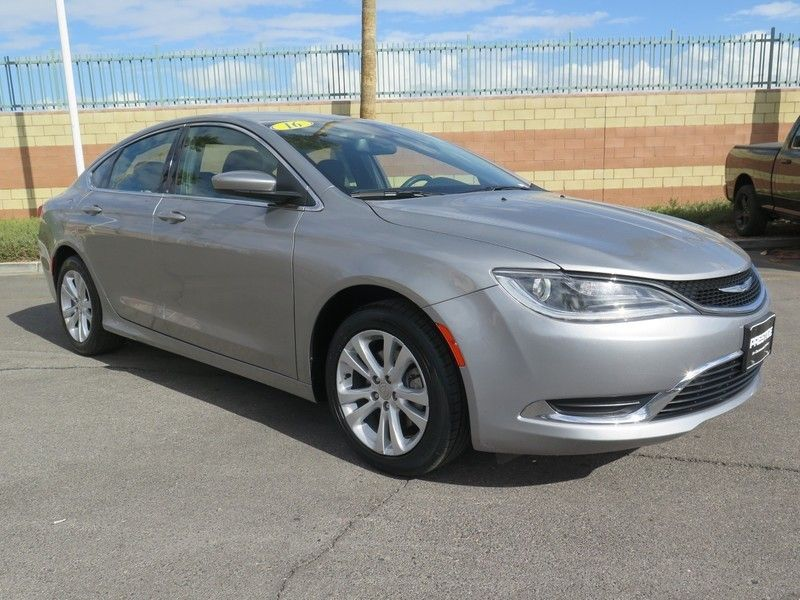 2016 Chrysler 200 LIMITED - 17396059 - 2