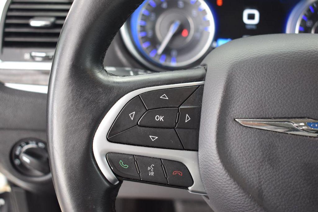 2016 Chrysler 300  - 18592383 - 21