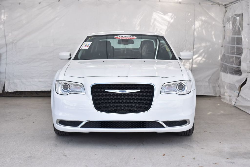 2016 Chrysler 300  - 18592383 - 2