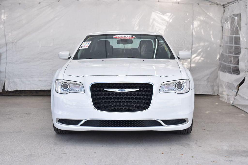 2016 Chrysler 300  - 18592383 - 2