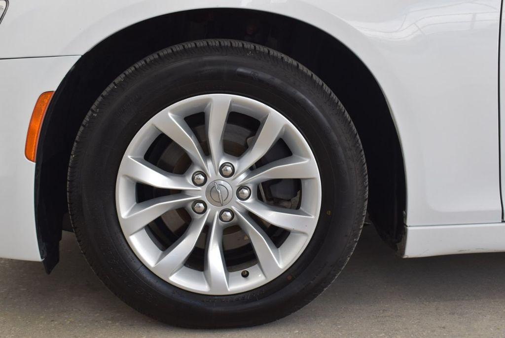 2016 Chrysler 300  - 18592383 - 6