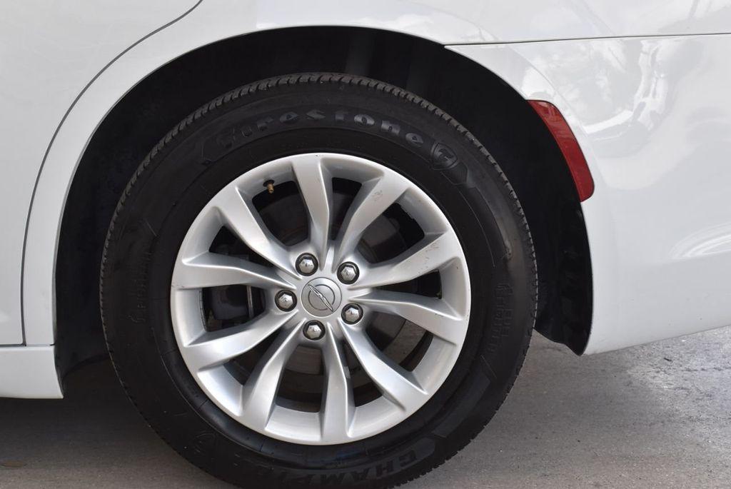 2016 Chrysler 300  - 18592383 - 7