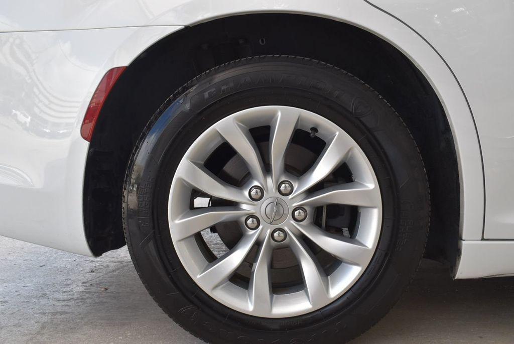 2016 Chrysler 300  - 18592383 - 8