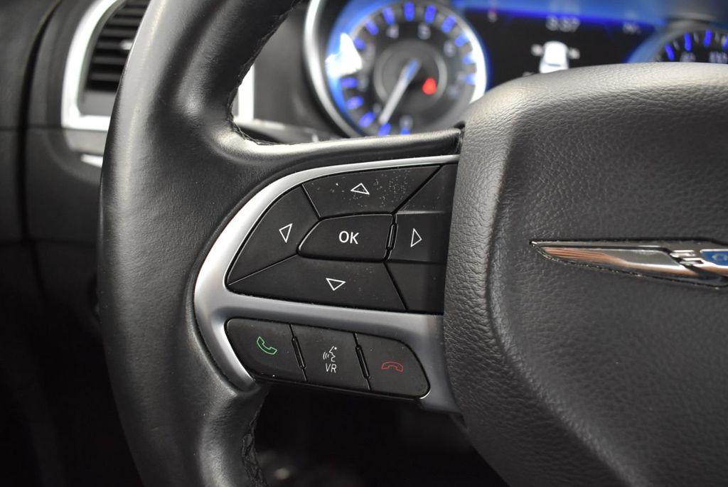 2016 Chrysler 300  - 18592392 - 13