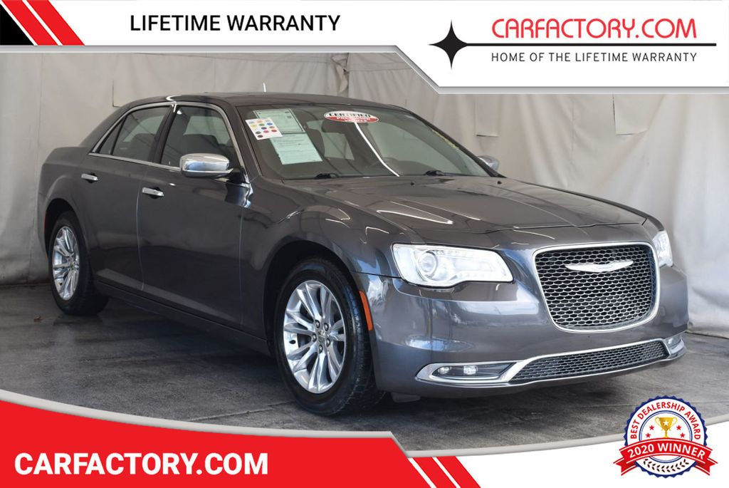 2016 Chrysler 300 4dr Sedan 300C RWD - 17958531 - 0