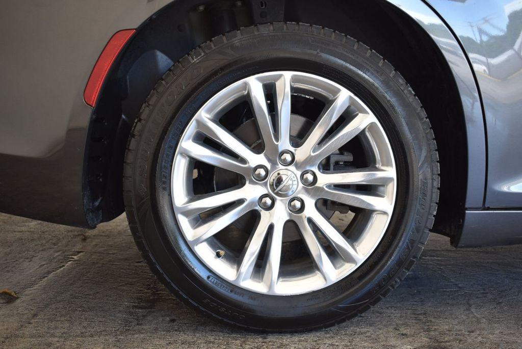 2016 Chrysler 300 4dr Sedan 300C RWD - 17958531 - 9