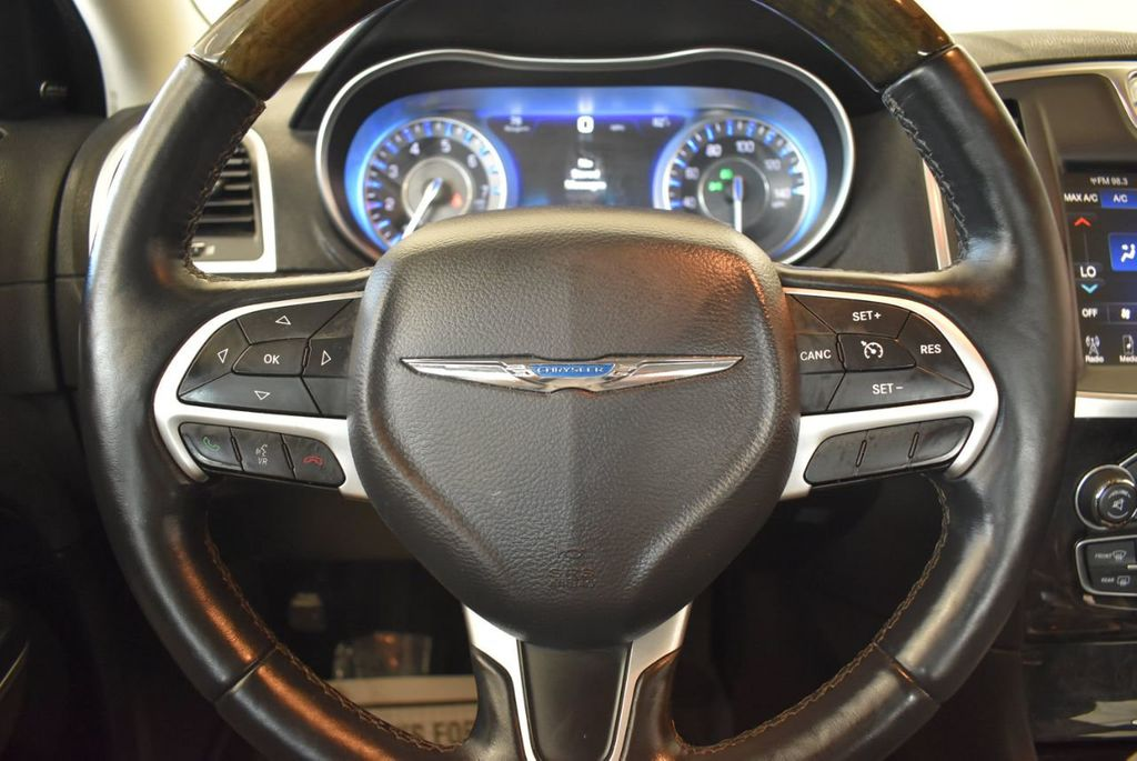 2016 Chrysler 300 4dr Sedan 300C RWD - 17958531 - 17