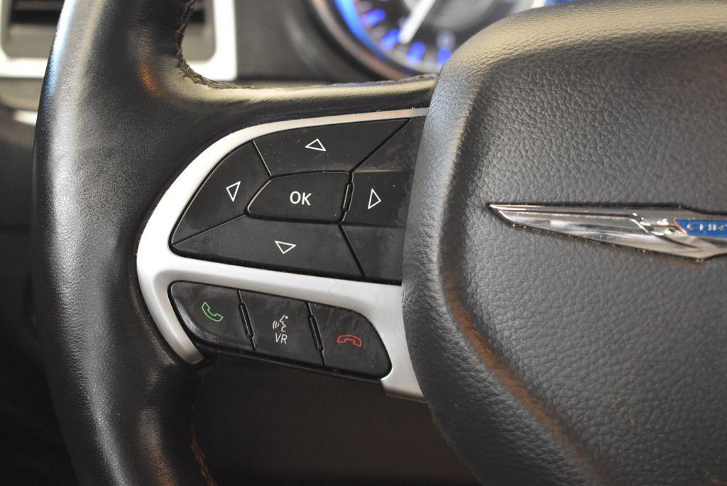 2016 Chrysler 300 4dr Sedan 300C RWD - 17958531 - 19