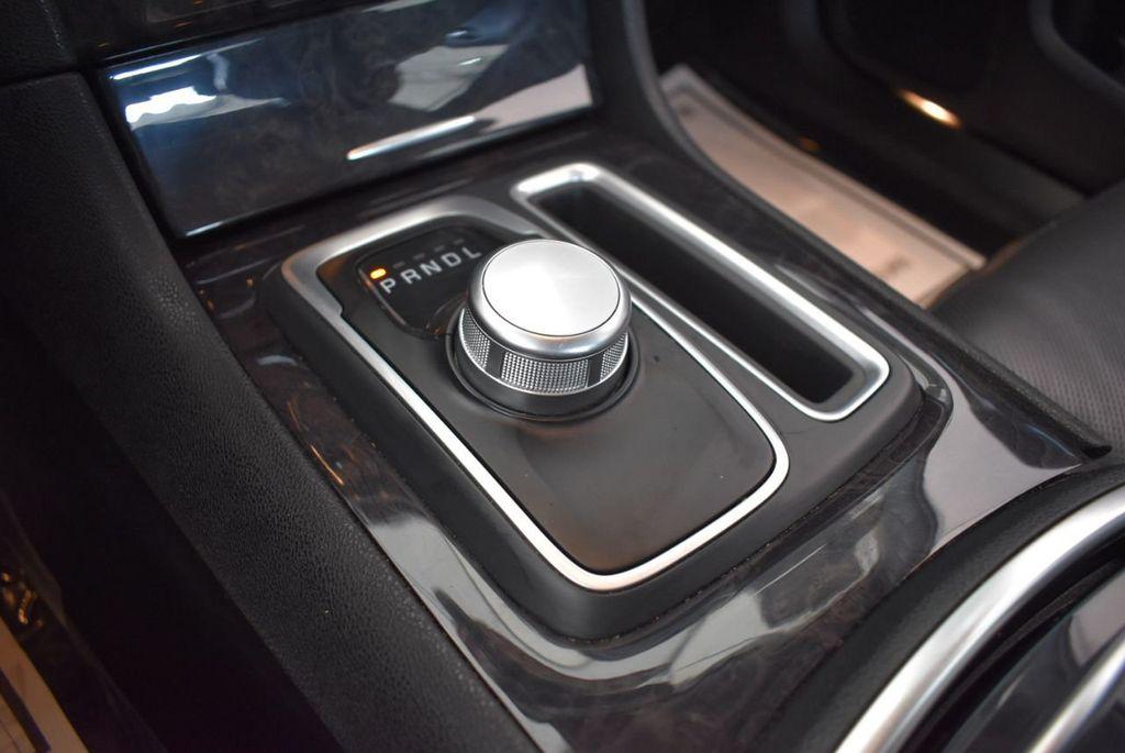 2016 Chrysler 300 4dr Sedan 300C RWD - 17958531 - 20