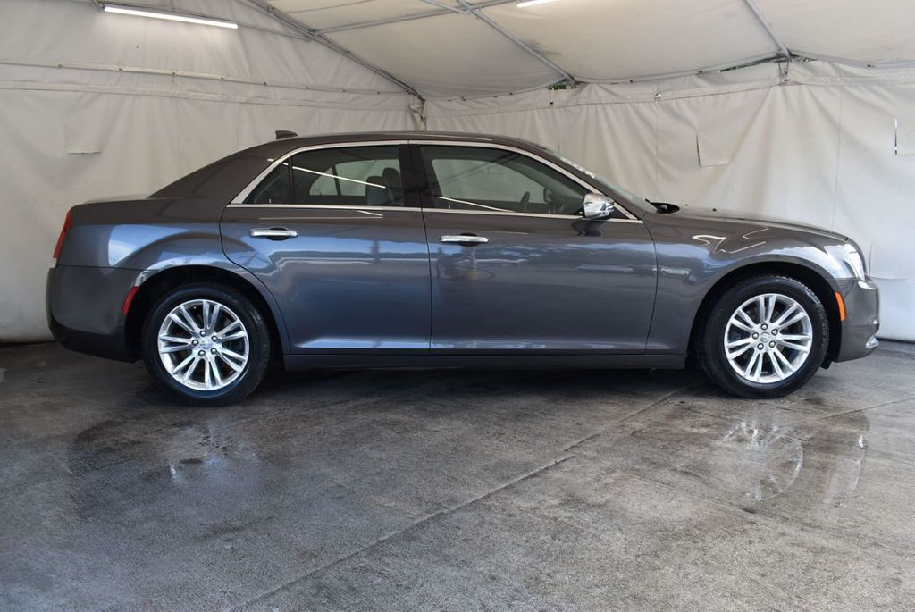 2016 Chrysler 300 4dr Sedan 300C RWD - 17958531 - 2