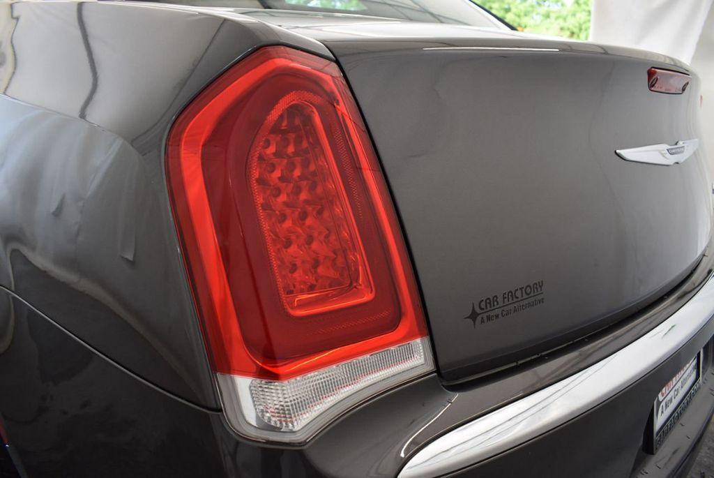 2016 Chrysler 300 4dr Sedan 300C RWD - 17958531 - 6