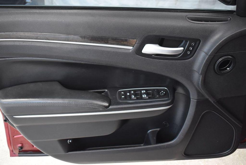 2016 Chrysler 300 4dr Sedan 300C RWD - 18448713 - 13