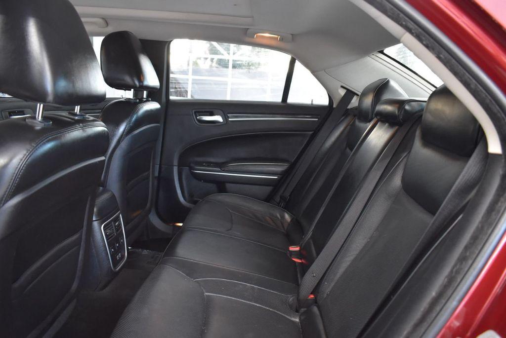 2016 Chrysler 300 4dr Sedan 300C RWD - 18448713 - 14