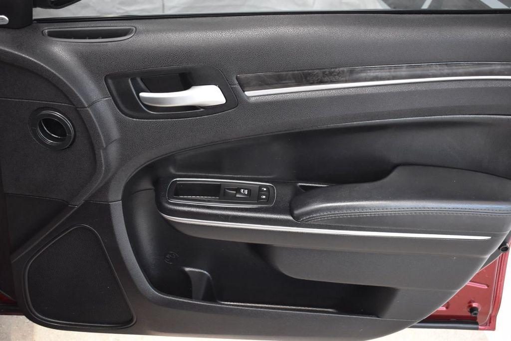 2016 Chrysler 300 4dr Sedan 300C RWD - 18448713 - 18