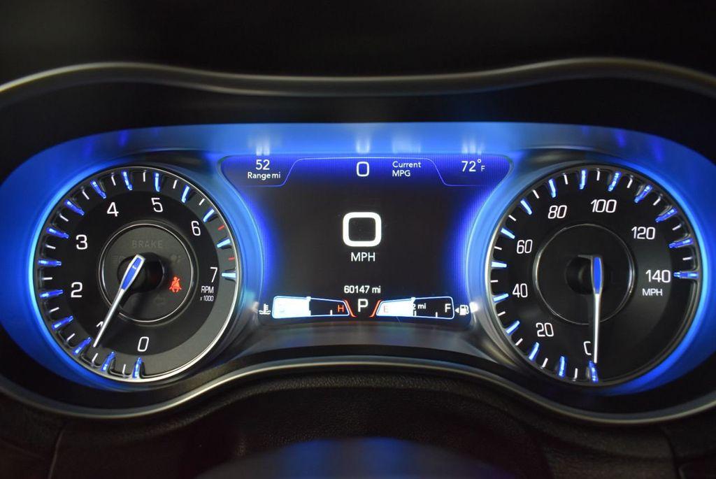 2016 Chrysler 300 4dr Sedan 300C RWD - 18448713 - 20