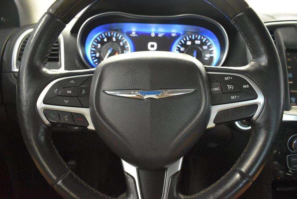 2016 Chrysler 300 4dr Sedan 300C RWD - 18448713 - 21