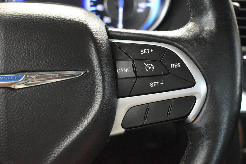 2016 Chrysler 300 4dr Sedan 300C RWD - 18448713 - 22