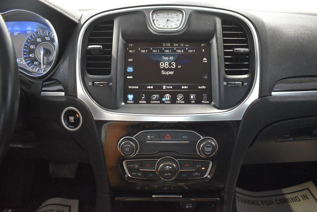 2016 Chrysler 300 4dr Sedan 300C RWD - 18448713 - 24