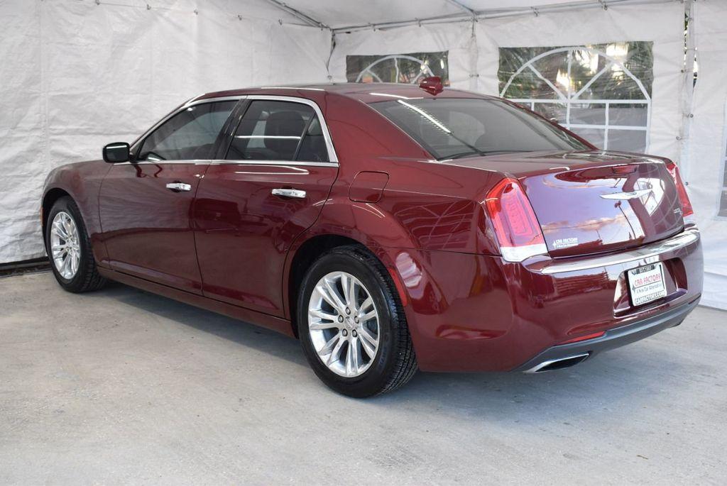 2016 Chrysler 300 4dr Sedan 300C RWD - 18448713 - 5