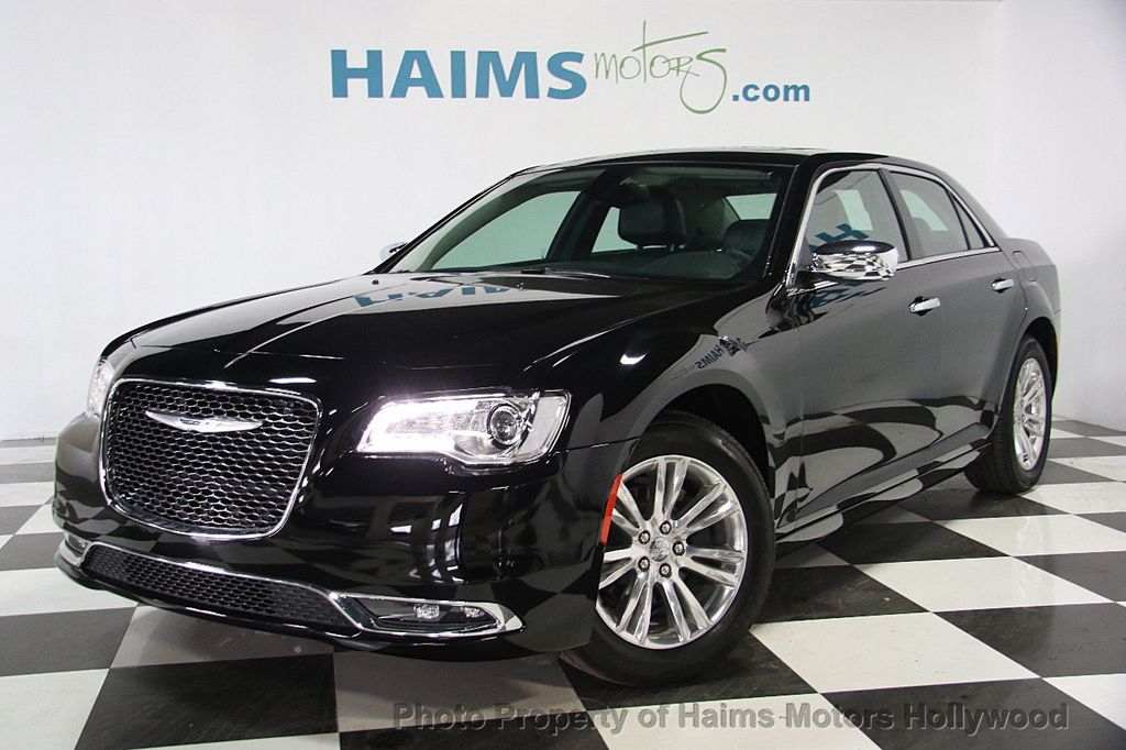 2016 Chrysler 300 4dr Sedan 300C RWD - 16347503 - 0