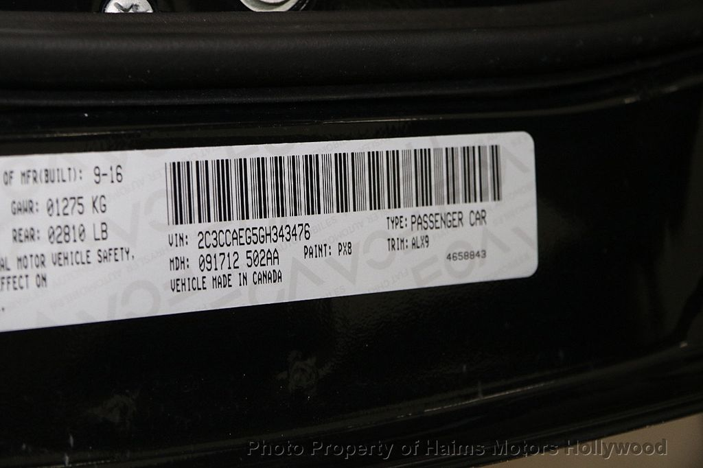 2016 Chrysler 300 4dr Sedan 300C RWD - 16347503 - 32