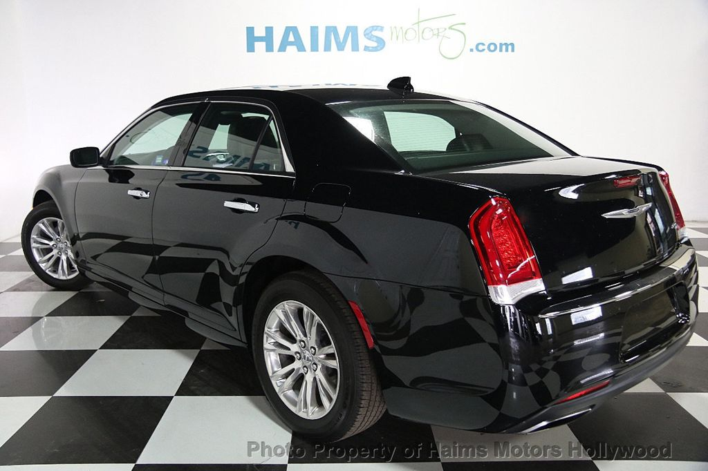 2016 Chrysler 300 4dr Sedan 300C RWD - 16347503 - 3