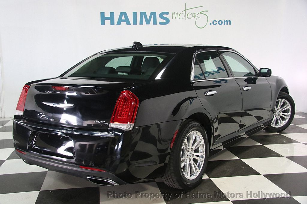 2016 Chrysler 300 4dr Sedan 300C RWD - 16597679 - 5