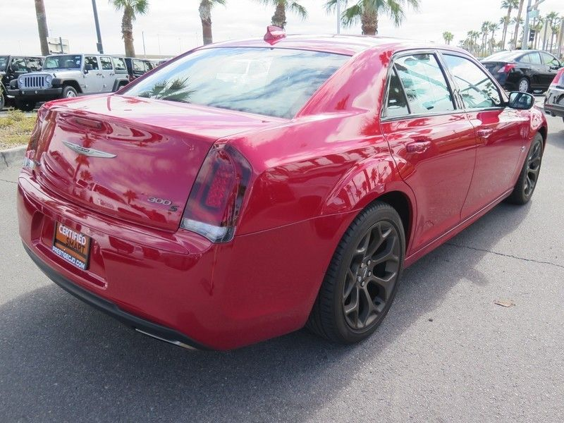 2016 Chrysler 300 S - 17263192 - 11