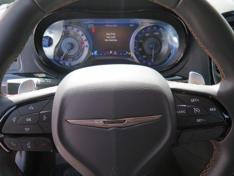 2016 Chrysler 300 S - 17263192 - 20