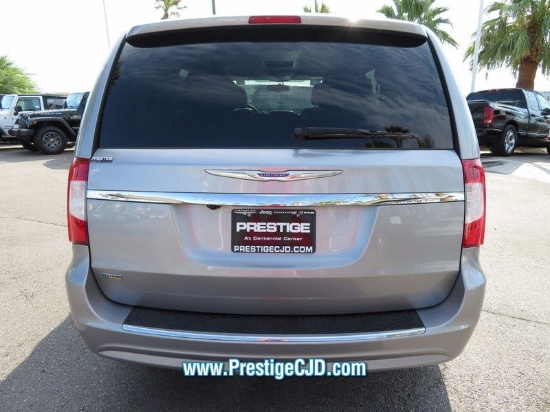 2016 Chrysler Town & Country 4dr Wagon Touring - 16772226 - 5