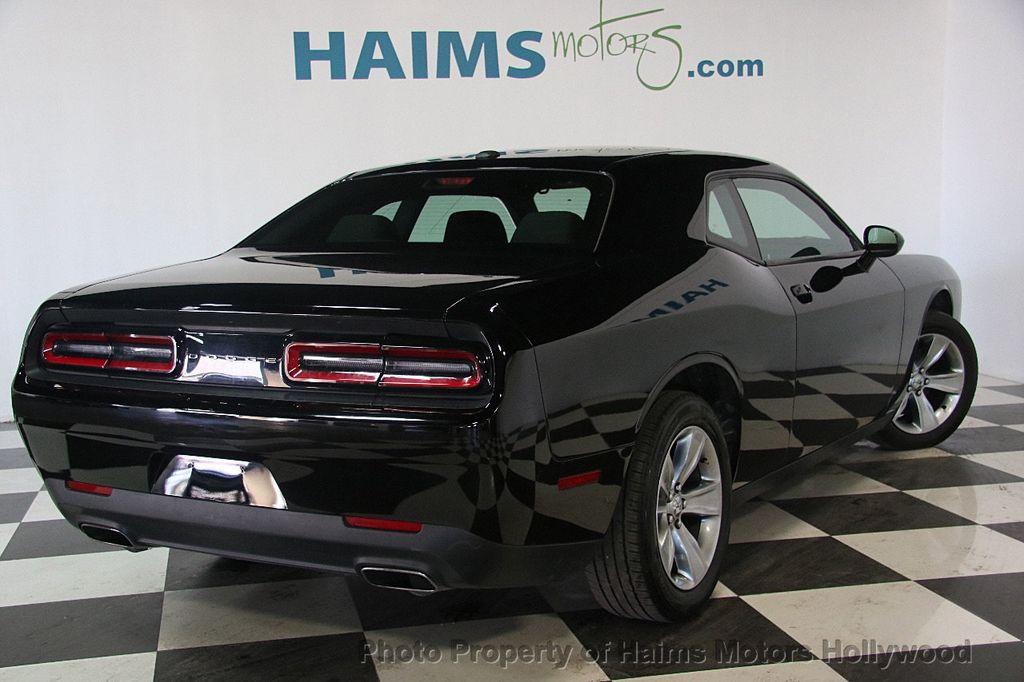 2016 Dodge Challenger 2dr Coupe Sxt 17351773 6