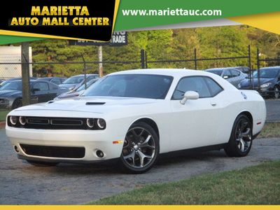 2016 Dodge Challenger 2dr Coupe SXT Plus