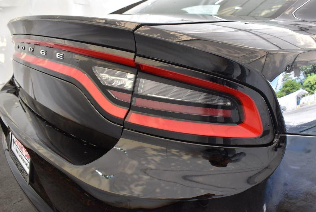 2016 Dodge Charger 4dr Sedan SXT RWD - 18250871 - 1