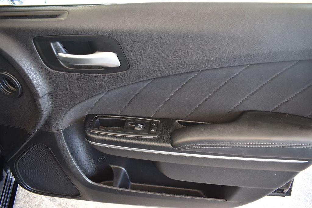 2016 Dodge Charger 4dr Sedan SXT RWD - 18250871 - 25