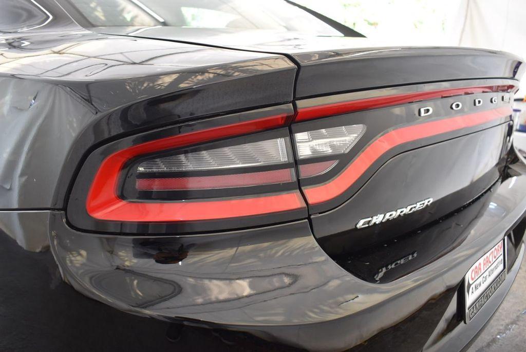 2016 Dodge Charger 4dr Sedan SXT RWD - 18250871 - 6