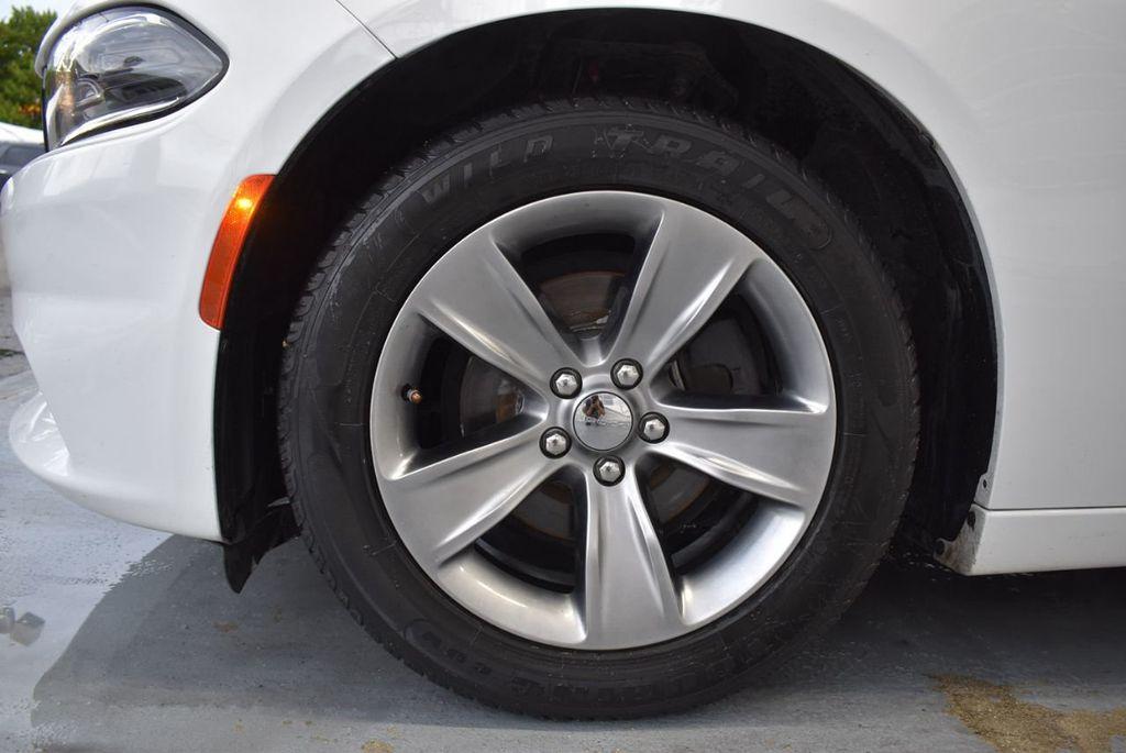 2016 Dodge Charger 4dr Sedan SXT RWD - 18359541 - 11