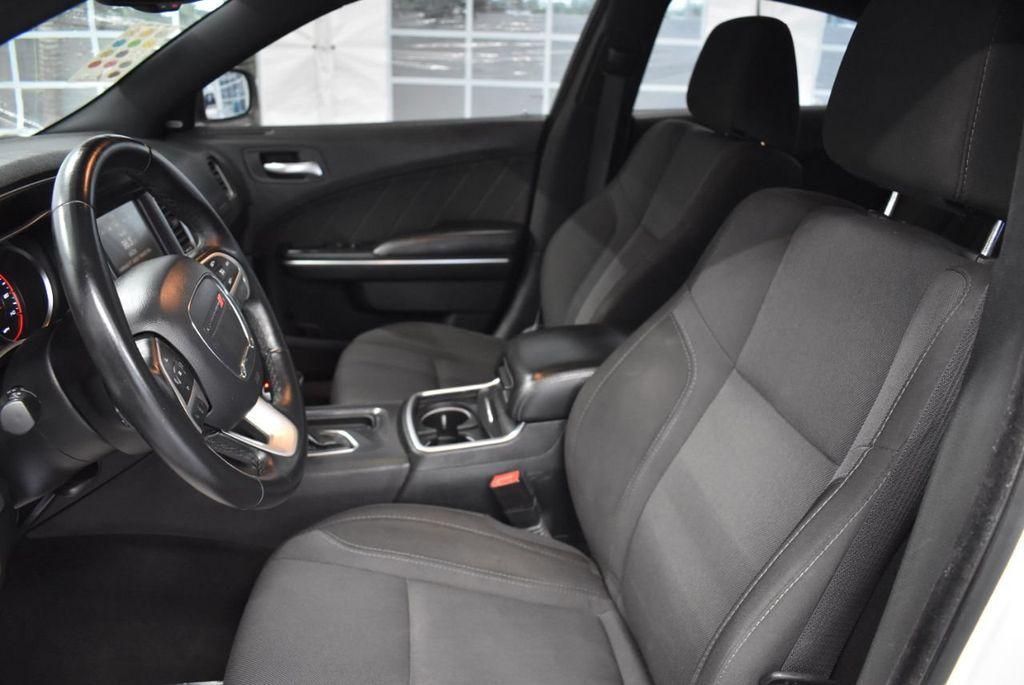 2016 Dodge Charger 4dr Sedan SXT RWD - 18359541 - 14